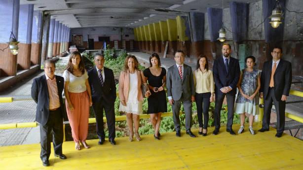 Representantes de COAVN acompañados por patrocinadores y promotores del foro. (J.M.M.)